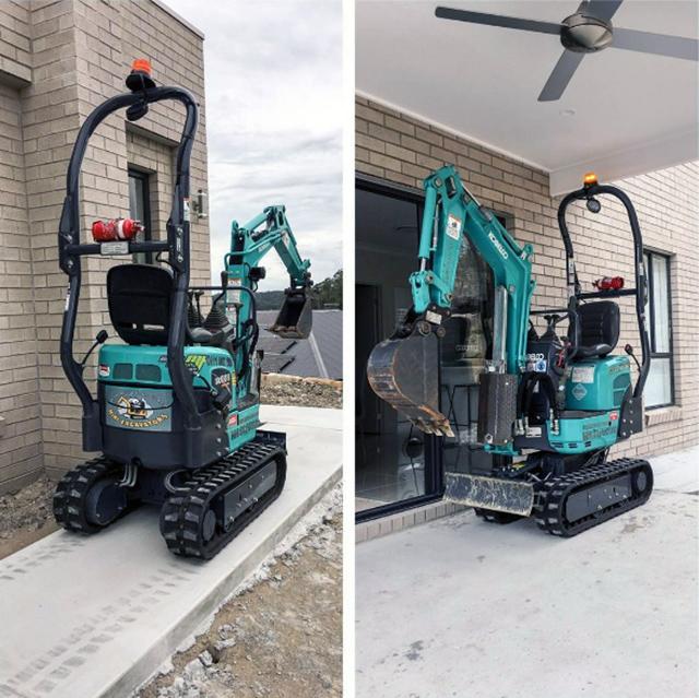 Kobelco mini's perfect for tight access jobs